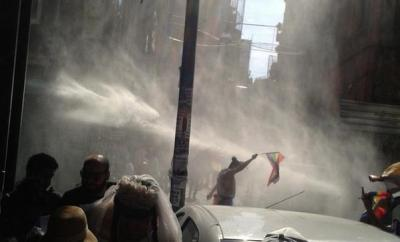 Istanbul Pride got attacked by water cannons