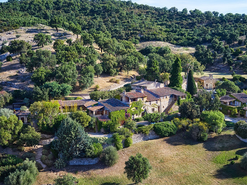 Sitting in the lush green hills of Southern France, Johnny Depp's Le Plan de la Tour estate boasts an entire village