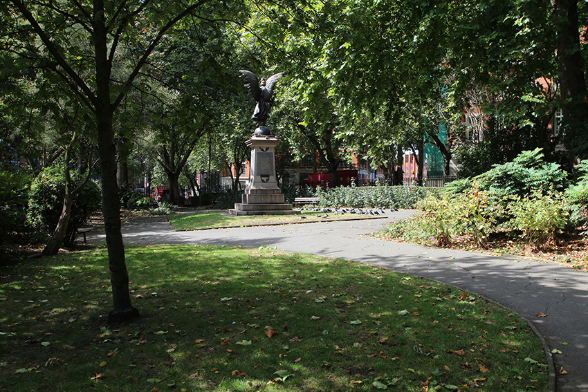 A mix of green spaces and busy streets give Islington its unique character.