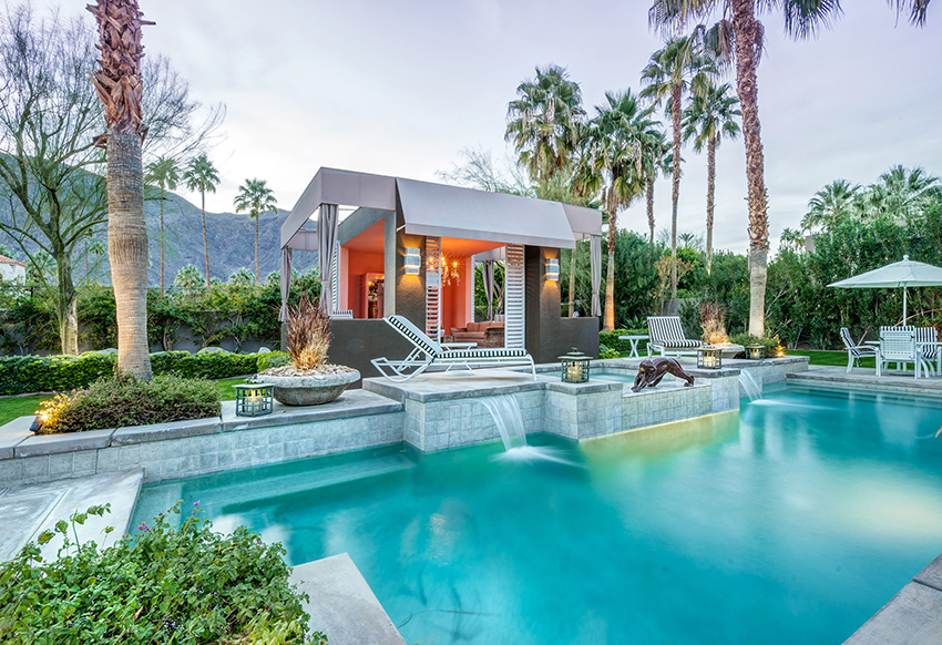 It wouldn't be an exclusive retreat in the hills of sunny Palm Springs without an extensive pool area.