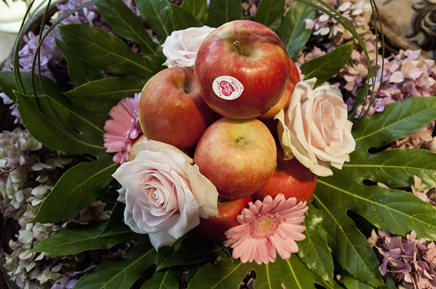 Adding Pink Lady® apples to flower arrangements works remarkably well.