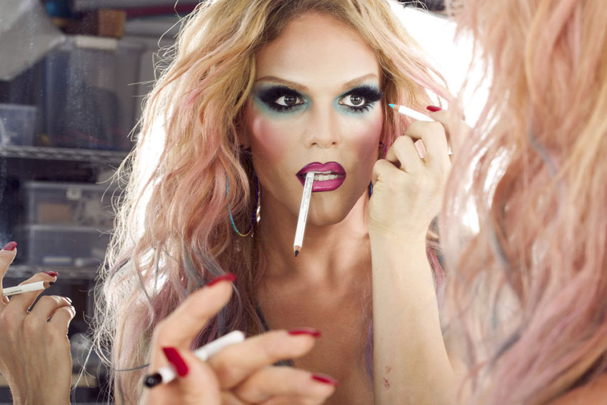 Willam takes down rapper Azealia Banks after she called a flight attendant 'faggot'