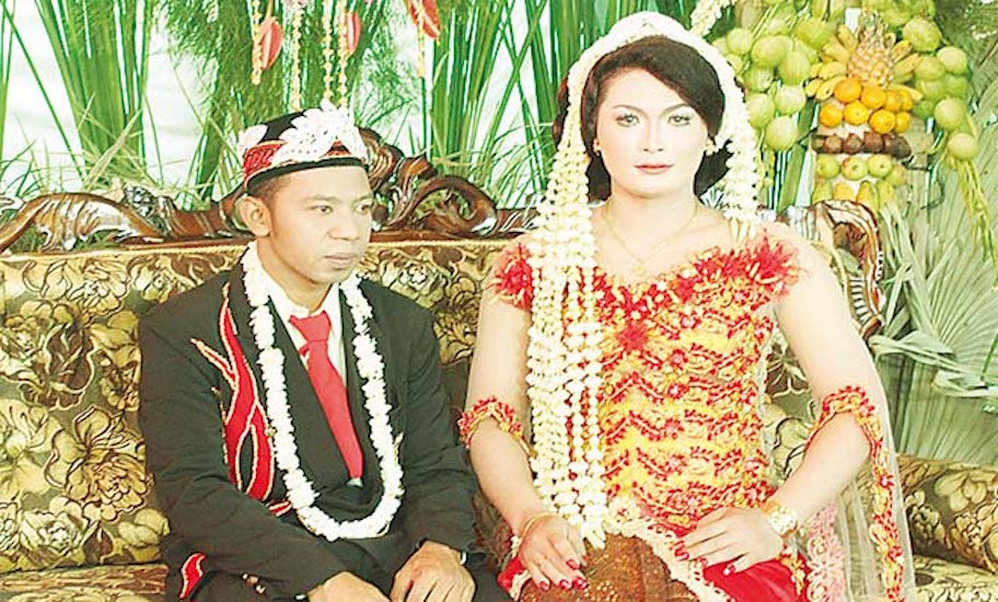 The ceremony had all the trappings of a traditional Javanese wedding.