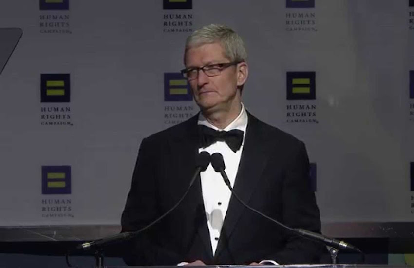 Tim Cook was honored with HRC's Visibility Award.