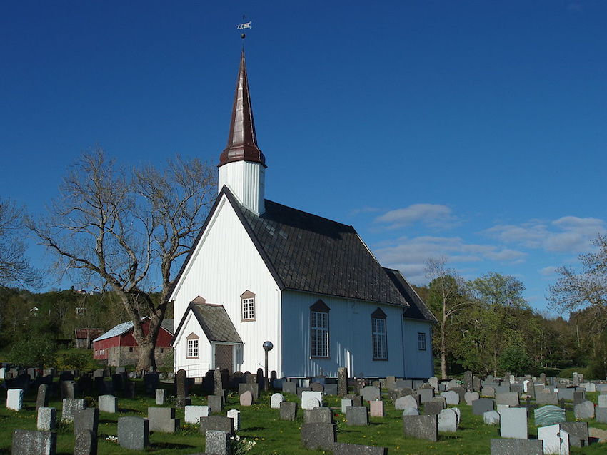 The Church of Norway's twelve bishops unanimously voted to allow gay couples to marry in religious wedding ceremonies.