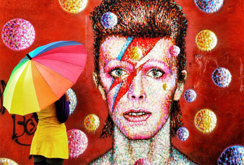 Petition to bring back David Bowie from the dead attracts thousands of signatures