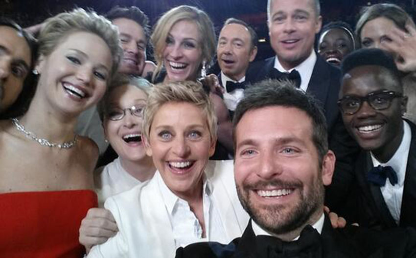 Ellen took the biggest selfie in the world during the Oscars