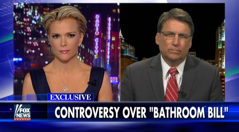 Fox News' Megyn Kelly interviews Governor Pat McCrory (l to r)