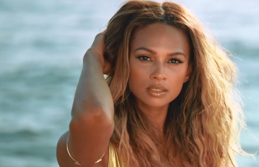Alesha in the video for last year's single Just the Way We Are