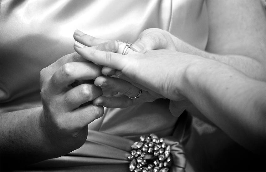 Gay nuns get married in Italy