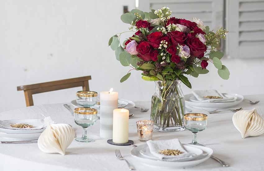 Fresh flowers are always a good idea - even on your Christmas table