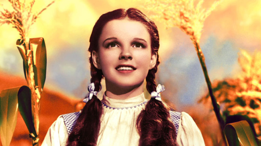Judy Garland's most iconic role is that of Dorothy in The Wizard Oz.