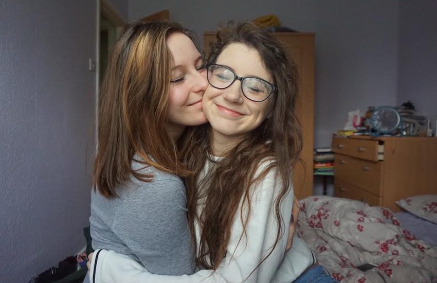 YouTube stars Lily and Saskia are in a long distance relationship.