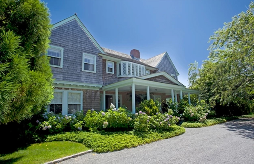 Grey Gardens was the home of Big Edie and Little Edie, relatives to former First Lady Jackie Kennedy
