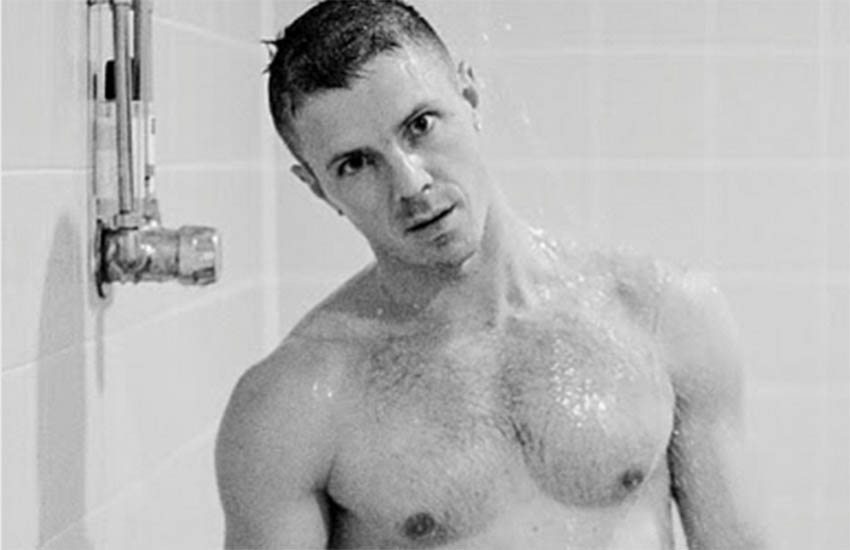 Jake Shears strips off on Instagram