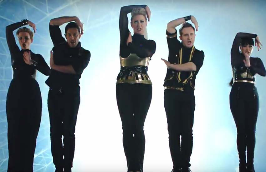 There's a new dance routine in Steps' Scared of the Dark