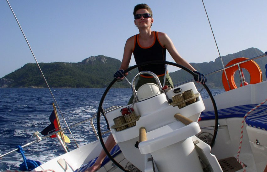 Elena sails across two oceans to be with the woman she loves in safety
