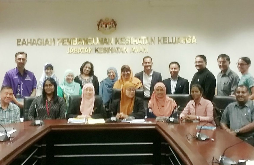 The Malaysian Ministry of Health meets with LGBTI advocates and the Malaysian AIDS Council. Malaysia