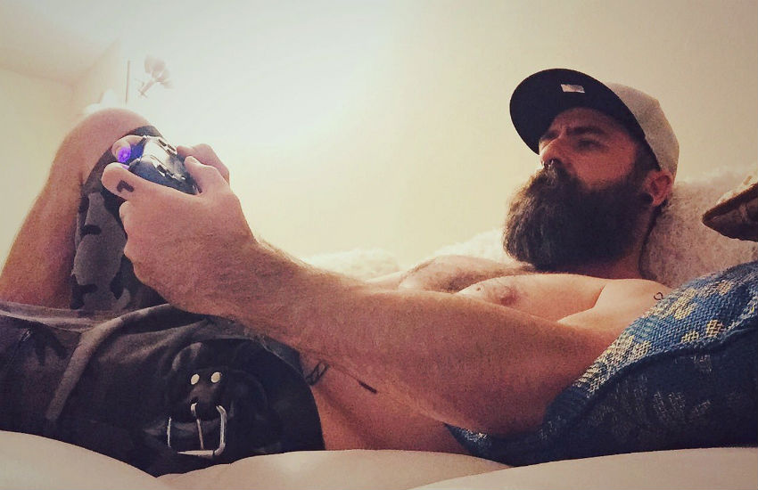 Big hairy homo, Boon Cotter
