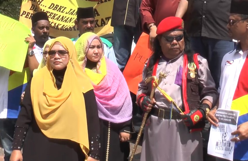 unions protesters in colourful hijabs protesting on the street