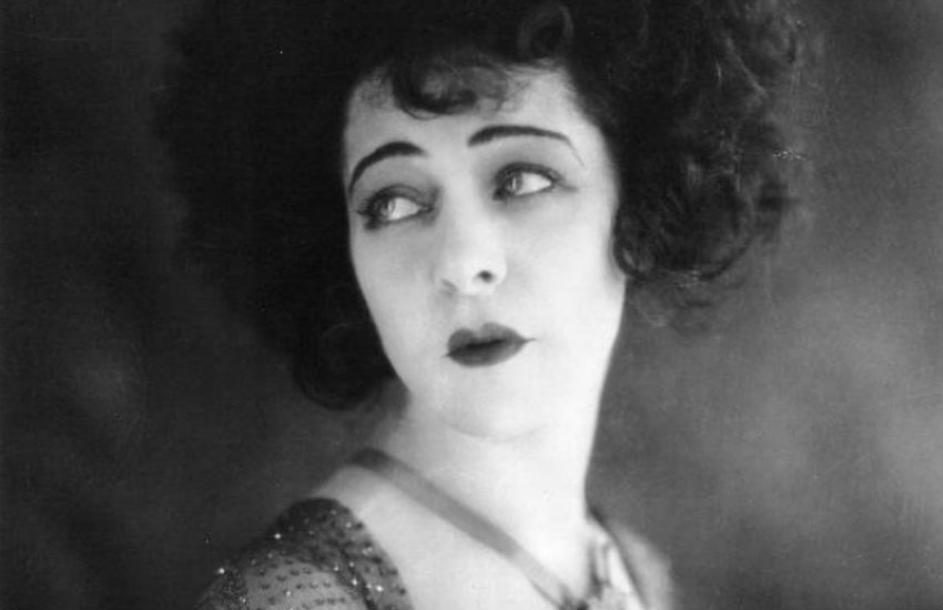Queer Russian actor Alla Nazimova