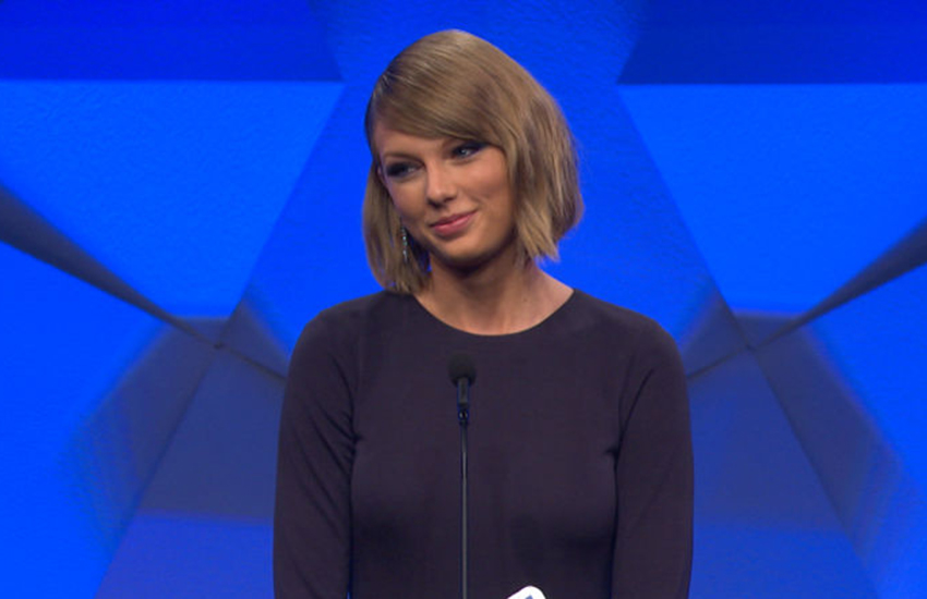 Taylor Swift wins GLAAD Award