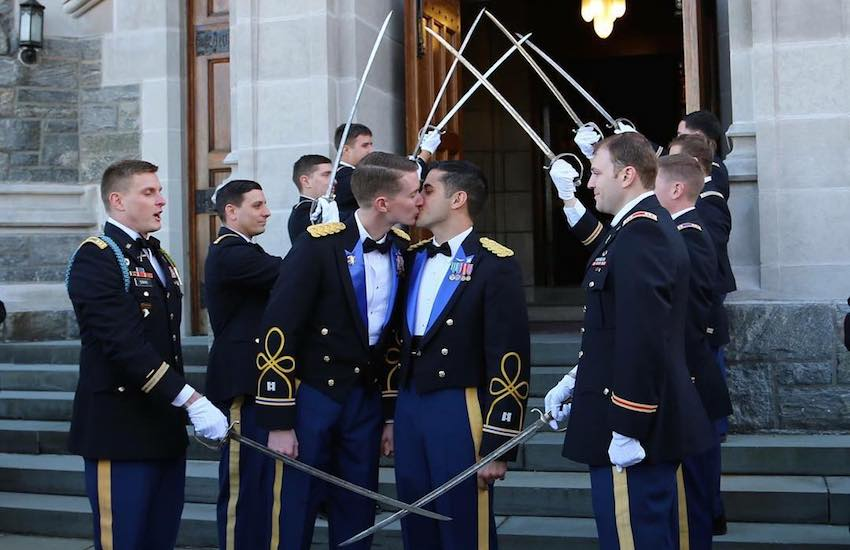 The gorgeous couple got married at US army academy West Point | Photo: Instagram @dan.vinny
