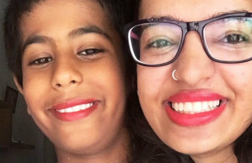 Diksha and her cousin rocking the lipstick