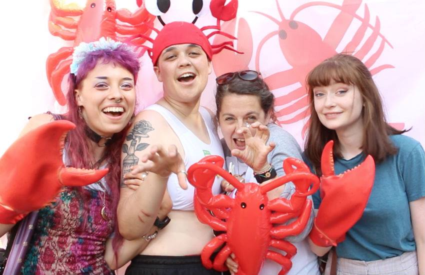 Lobsters against transphobia (Photo: Nail It)
