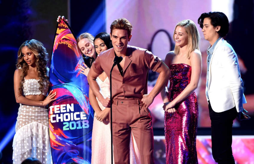 The cast of Riverdale at the 2018 Teen Choice Awards.