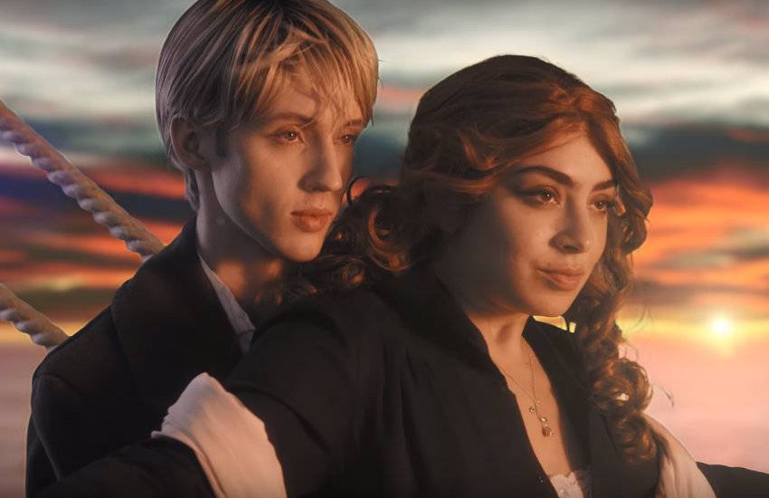 Charlix XCX and Troye Sivan in the 1999 video