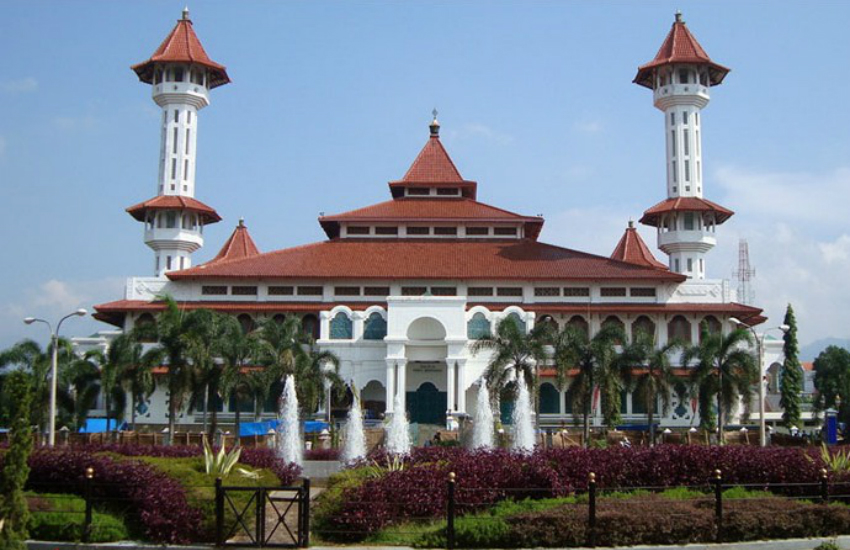 A mosque in Cianjur City (Photo: Wikipedia)