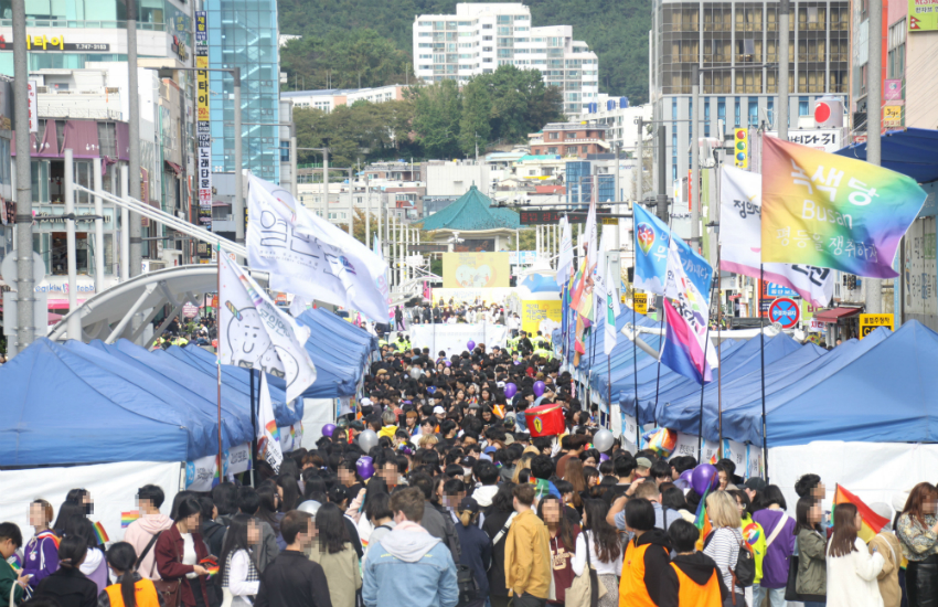 LGBTI supporters attend the Busan Queer Festival in South Korea. (Photo: Minsoo Kim)