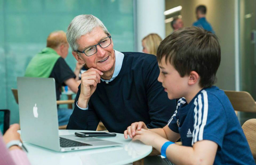 Apple CEO Tim Cook came out in 2014 (Photo: Facebook)