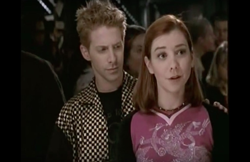 Willow (right) and Oz as a couple in Buffy The Vampire Slayer