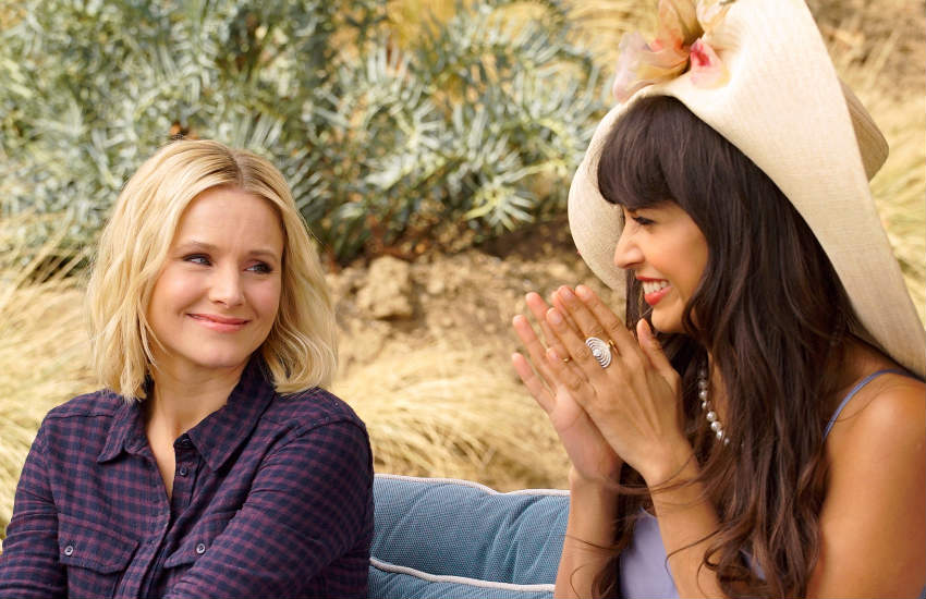 Kristen Bell and Jameela Jamil in a scene of The Good Place.