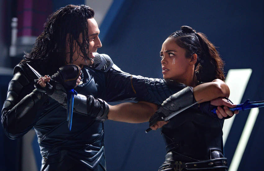 Tom Hiddleston and Tessa Thompson fighting in a scene of Thor: Ragnarok.
