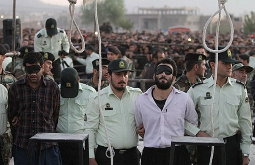 Men preparing to be hanged in Iran | Photo: Wikimedia Commons