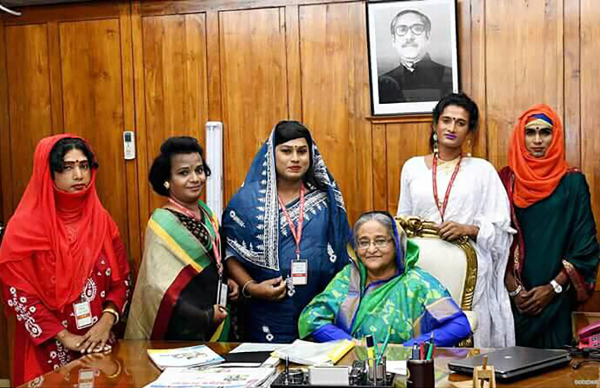 Members of Bangladesh's trans community meet PM Sheikh Hasina (Photo: Facebook)