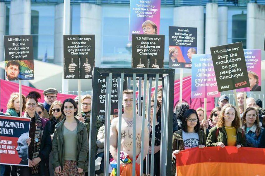 A protest in Berlin to stop the atrocities happening in Chechnya   Photo: Florian Flitzinger