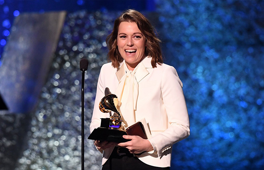 Brandi Carlile picks up a Grammy (Photo: Twitter)