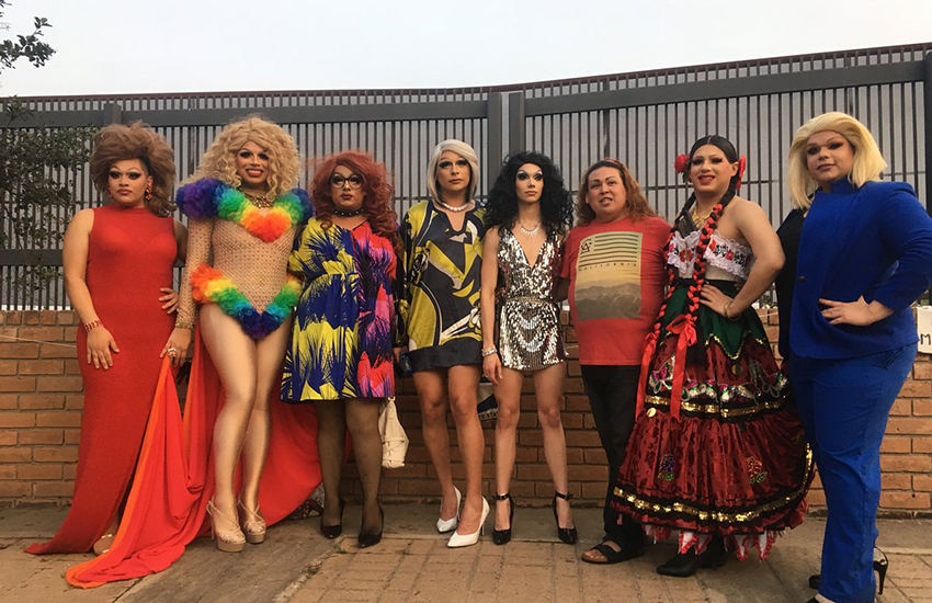 Drag queens protest the US border wall (Photo: Twitter)