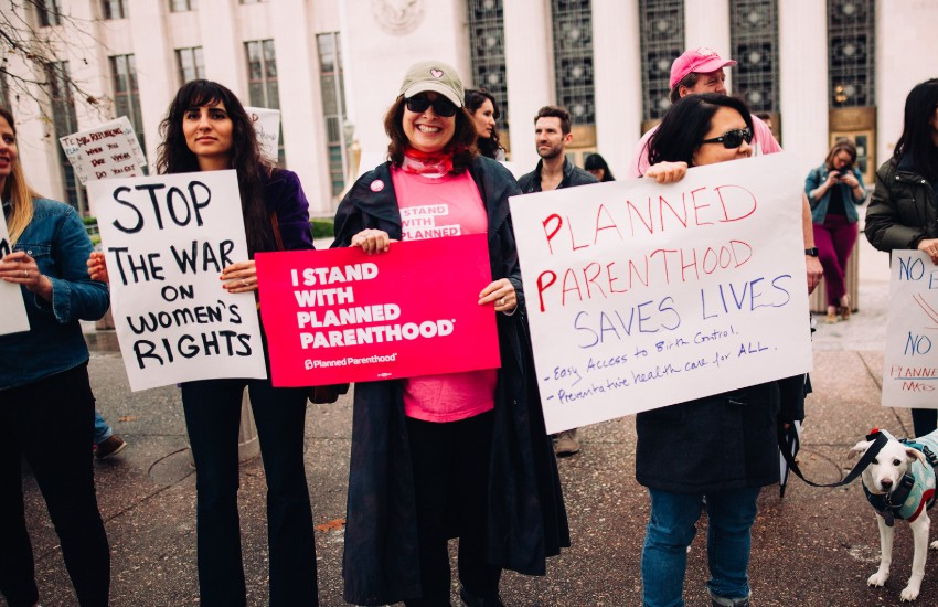 People supporting Planned Parenthood at a rally