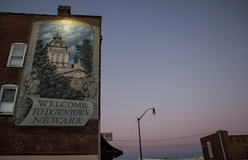 The welcome sign painted on a building in downtown Newark, Ohio. (Photo by Mark Spearman)