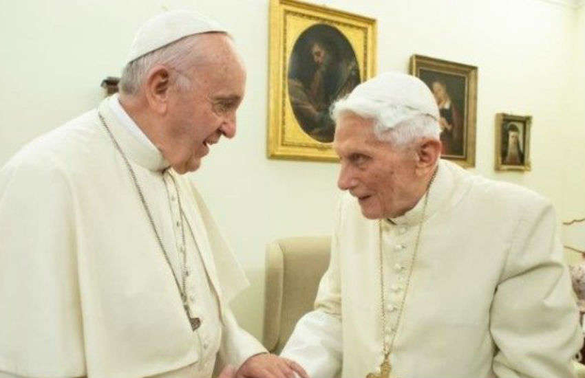 Pope Francis and the retired Pope Benedict XVI | Photo: Vatican