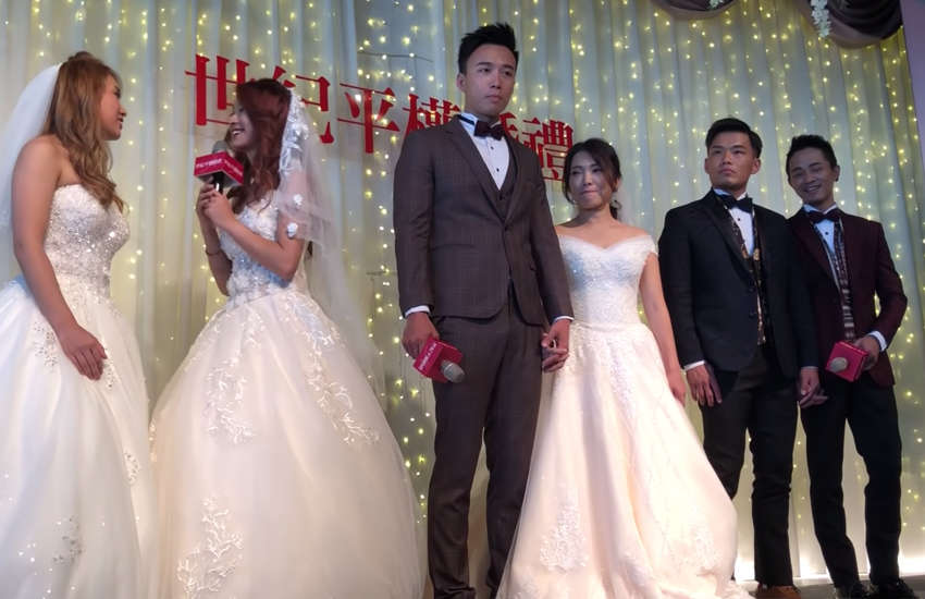 Three couples married in Taiwan (Photo: YouTube)