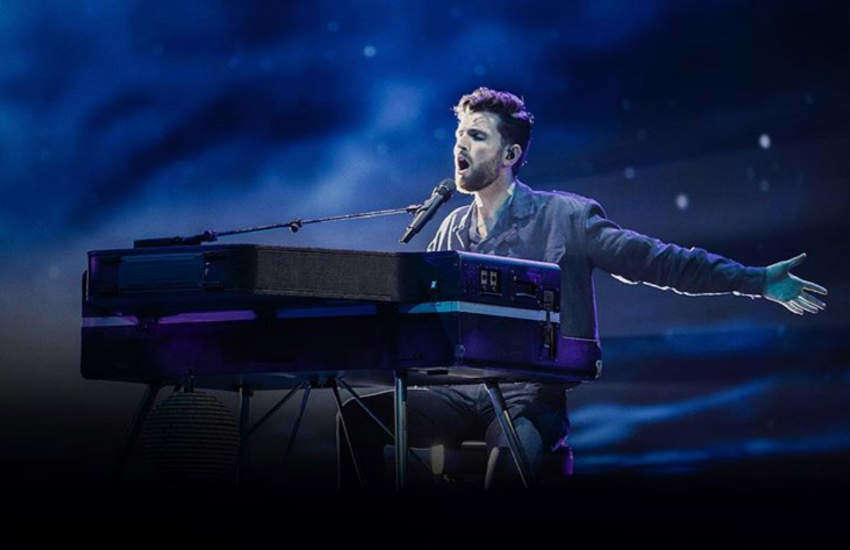 Duncan Laurence performing Arcade at the Eurovision.