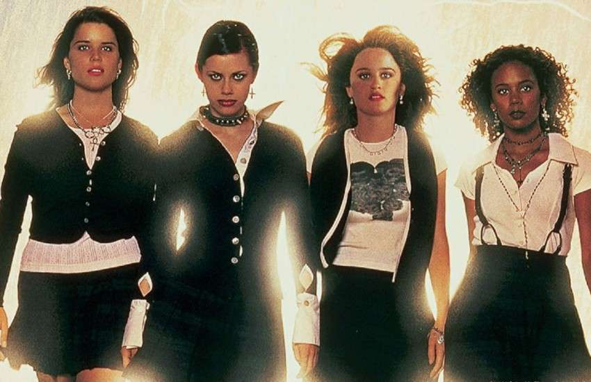 The original cast of The Craft, from director Andrew Fleming. | Photo: Columbia Pictures