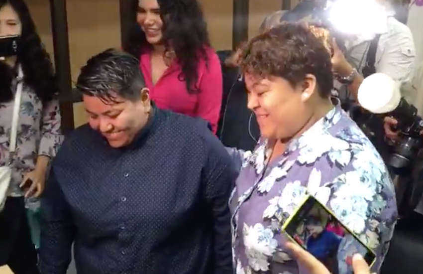 Michelle Avilés and Alexandra Chávez became the first same-sex couple to marry in Ecuador. (Photo: Twitter)