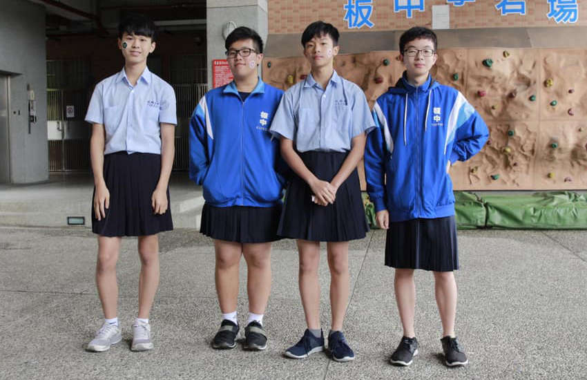 Students at a high school in Taipei wear skirts at the school's anniversary event (Photo: Facebook)